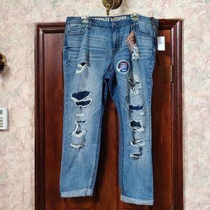 Plus Size Distressd cuffed blue jeans